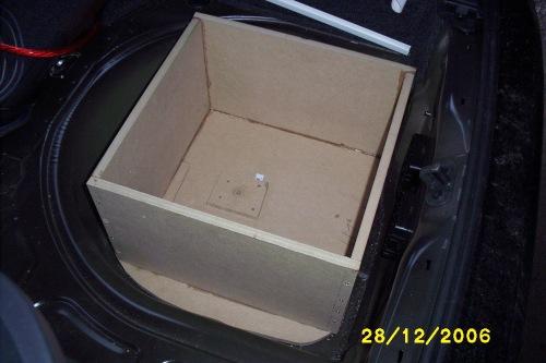 pb twingo reserverad gfk oder holz car hifi subwoofer. Black Bedroom Furniture Sets. Home Design Ideas